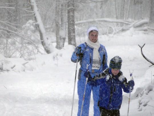 Иришка на лыжах